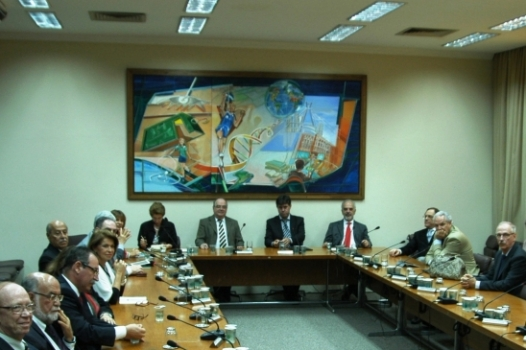 15_Pleno_na_Posse_2012_corte_noticia_526X370.JPG